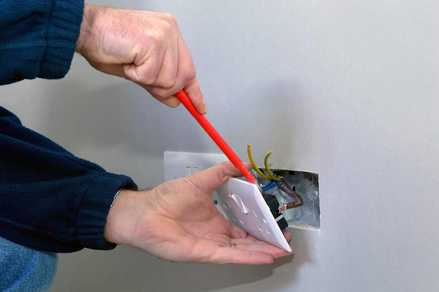 Our electricians can install plug sockets for domestic and commercial proeprties in Kentish Town and the local area.